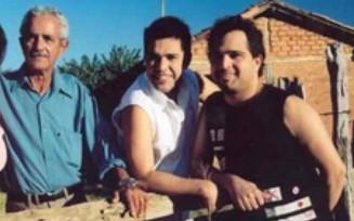 Francisco Camargo com os filhos Zezé e Luciano, em Goiás — Foto: Reprodução/TV Anhanguera